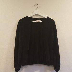 Women Size M Black Velvet Screw Neck Top